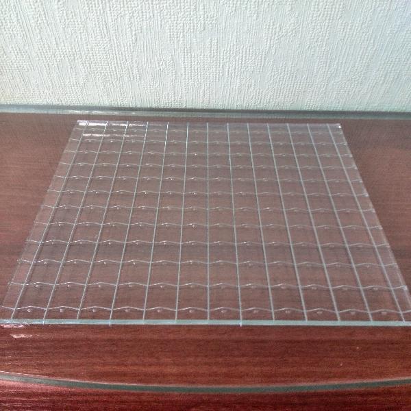 steklo-armirovannoe-5-6-mm-razmerom-2100-1600-mm